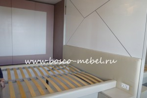 Спальня обтянутая кожей
