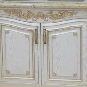Кухонный фасад из массива