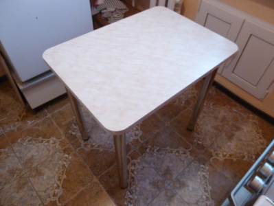Кухонный стол на заказ
